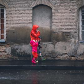 Nu kommer efteråret: er dine børn klædt på til det omskiftelige vejr?